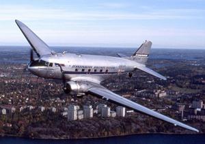 800px-Douglas_DC-3,_SE-CFP