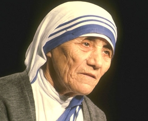 mother-teresa-in-india